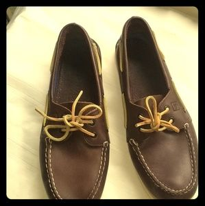 *PRE-LOVED* Sperry Brown Top-Siders